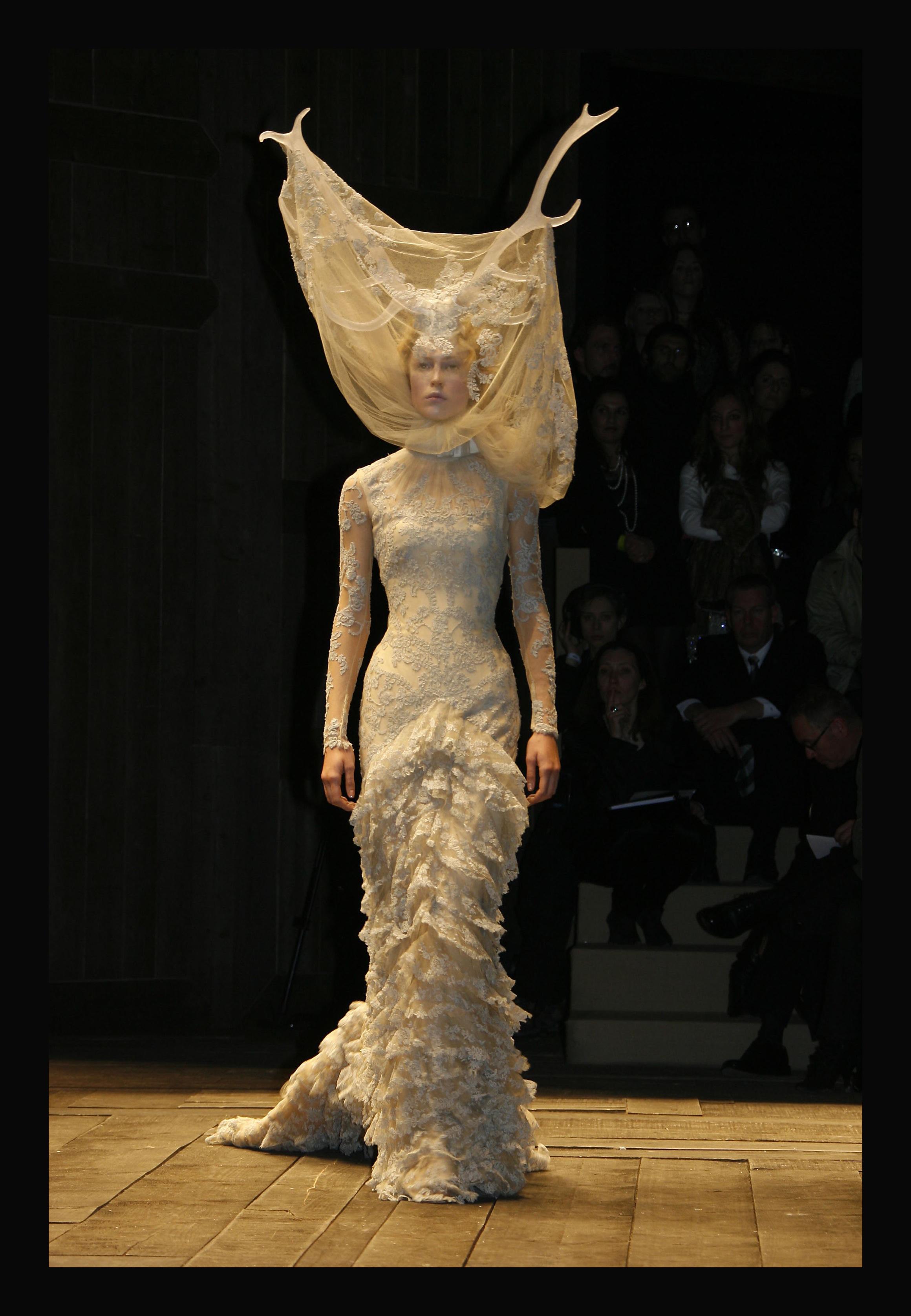 Alexander McQueen  Savage Beauty comes to London – PUBLIC DESCRIPTION 7d774a2e620