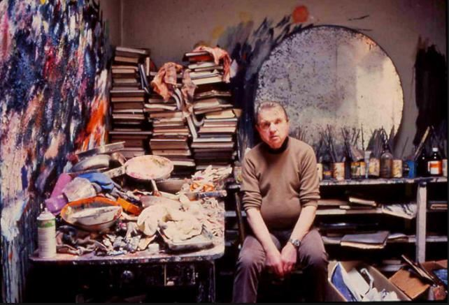 Francis Bacon in Studio - courtesy of schermodellarte.org